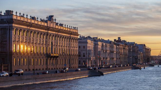 Циклон над Баренцевым морем закачивает в Петербург теплый воздух Атлантики