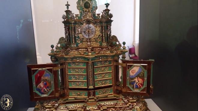 В Эрмитаже открылась выставка шедевров из коллекций музея и Cartier