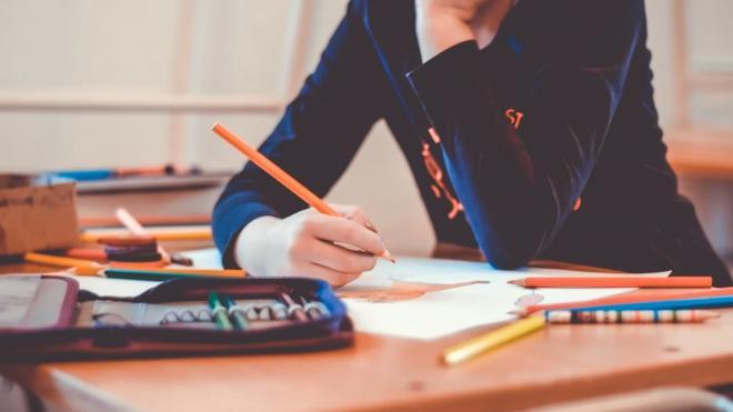 В Петербурге болеют всего 0,2% школьников