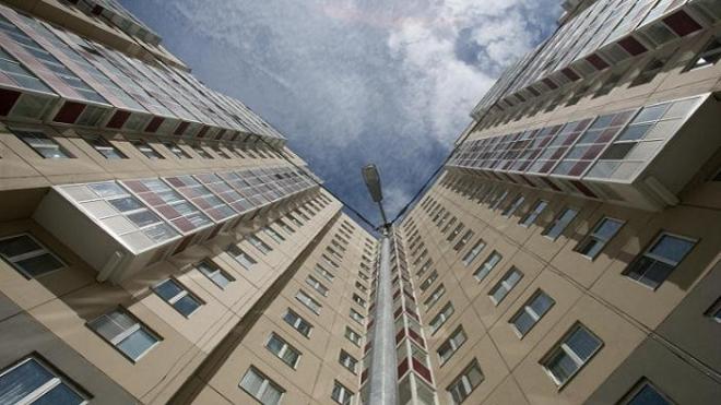 Ростовчанка убила 3-летнюю дочь, бросившись с ней с 10 этажа