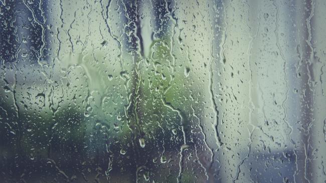 """Циклонический вихрь """"Фюрхтеготт"""" зальет Петербург дождем 6 мая"""