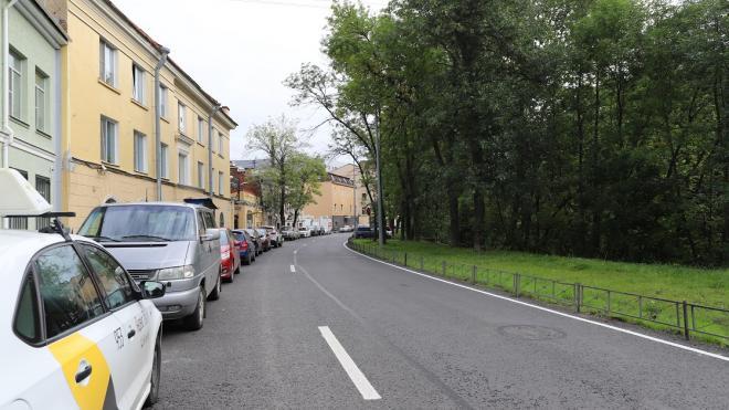 В Петербурге отремонтировали набережную Смоленки и улицу Ильюшина