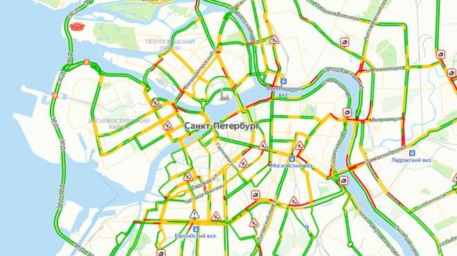 В четверг в утреннем Петербурге зафиксировали пробки в 4 балла
