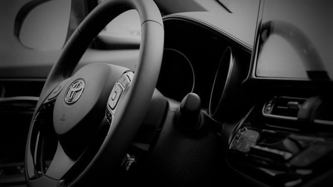 В Петербурге угнали Toyota Camry с неисправной системой защиты