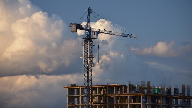 Противовирусные меры безопасности на стройках Северной столицы будут действовать еще 1 или 2 года