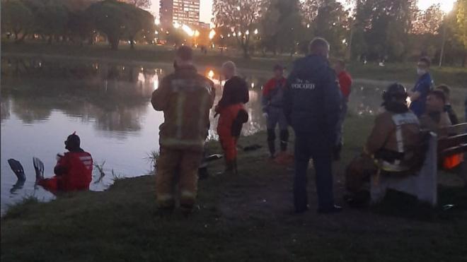 Мужчина утонул в пруду Полюстровского парка