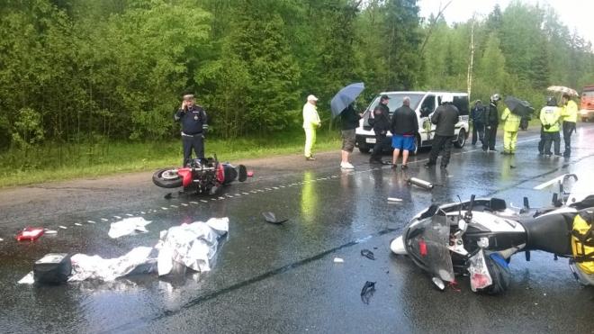 В Ленобласти мотоциклист погиб в ДТП с грузовиком