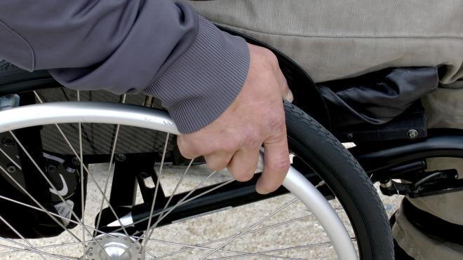Иномарка, перевозившая инвалида, попала в аварию в Ломоносовском районе