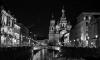 """Неизвестные """"украсили"""" фотографией Гитлера герб Петербурга около Русского музея"""