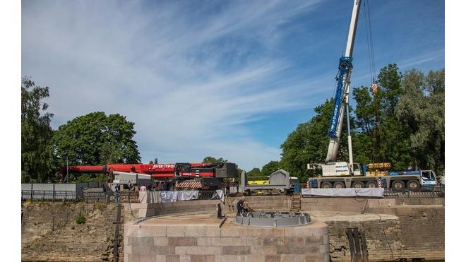 Доковый мост в Кронштадте вернулся на свое историческое место