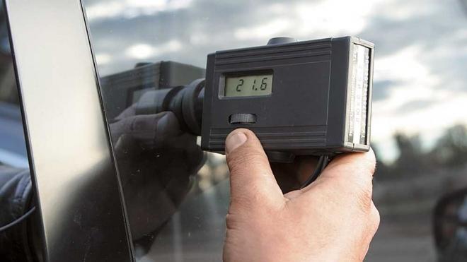 C 1 июля в Петербурге с тонированных автомобилей снимут номера