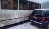 В Сосновом Бору автомобиль Volkswagen сбил женщину и врезался в автобус