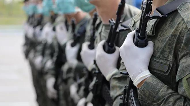 Запрет на массовые мероприятия в Петербурге не распространится на парад Победы