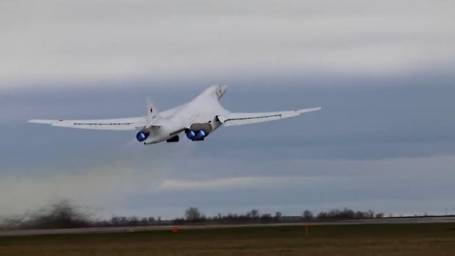 Ту-160 выполнили 14-часовой полет над Баренцевым и Белым морями
