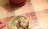 Житель Челябинска не стал жаловаться на использованный презерватив, найденный в пельмене