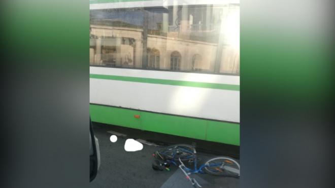 В Павловске автобус сбил велосипедистку