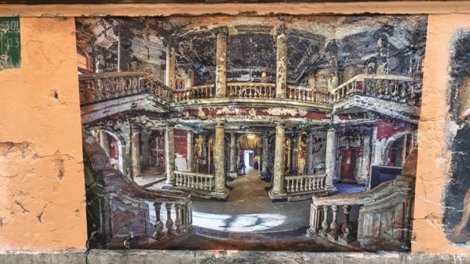 Фреска сгоревшей Анненкирхе украсила переулок Радищева