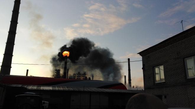 В Киришах утром произошёл пожар на нефтеперерабатывающем заводе