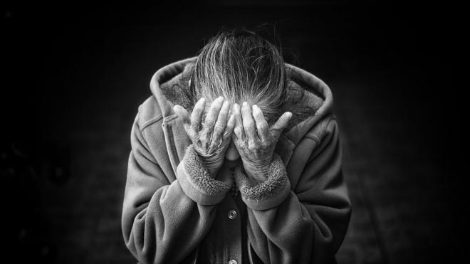 Поддельные медсестры украли у пенсионерки 1,6 млн рублей на Наличной улице