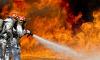 Сотрудники МЧС потушилипожар в заброшенном здании на Лесном проспекте