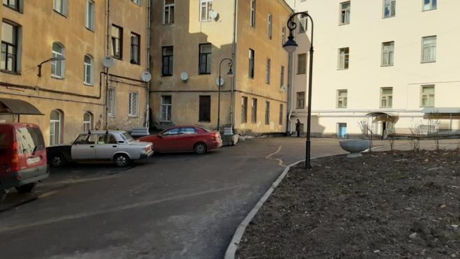 Во дворах на Южном валу и улице Школьной продолжается благоустройство