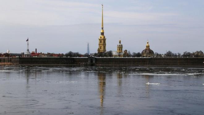 В Петропавловской крепости раскопали старинный деревянный бастион