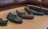 Петербуржец нашел на доставшейся в наследство даче коллекцию пистолетов и шпагу