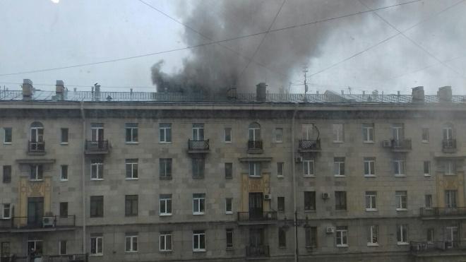 В Петербурге на Московском проспекте горит ресторан