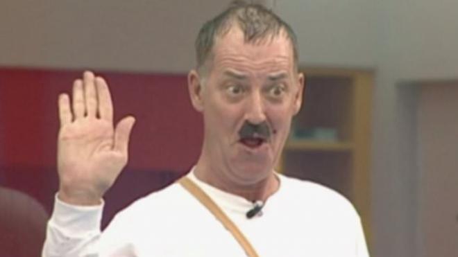 Британцы раскритиковали популярное шоу из-за пародии на Гитлера