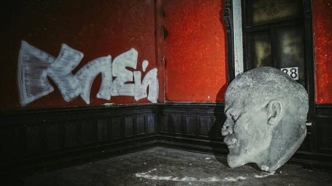 Вандалы разрушили исторический особняк Нобеля в Петербурге