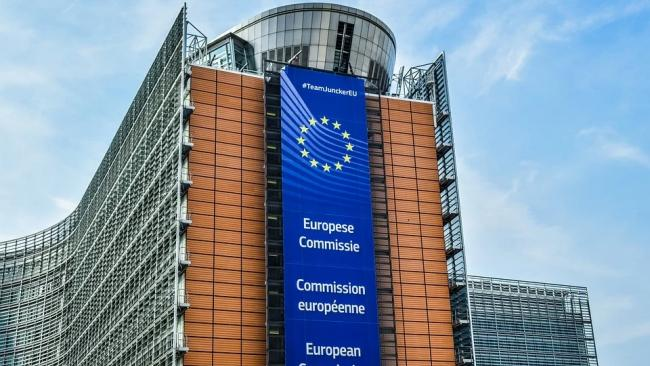 Еврокомиссия объявила о начале третьей волны коронавируса
