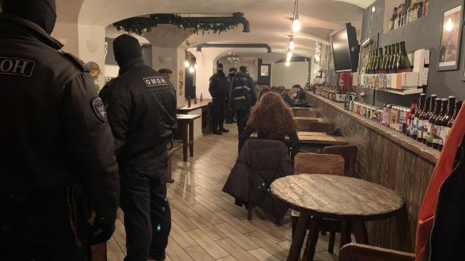 За ночь сотрудники Роспотребнадзора опечатали 4 заведения, которые работали в праздничные дни