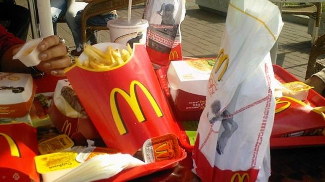 Макдоналдс кормил петербуржцев кишечной палочкой