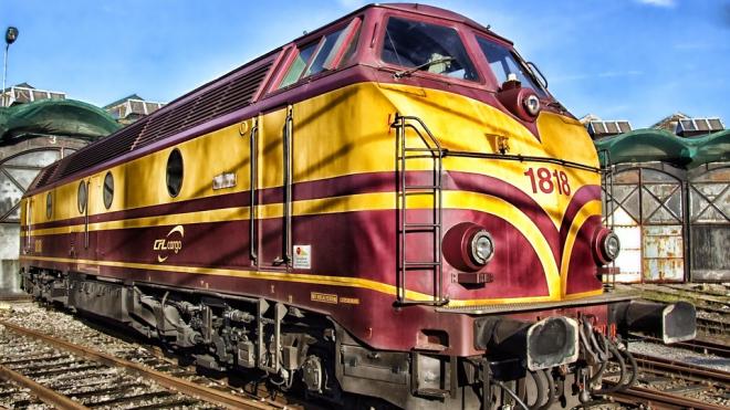 Поезда в Москву из Петербурга едут с сильной задержкой от графика из-за ночной остановки состава