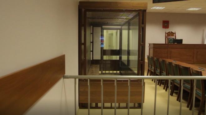 Несколько обвиняемых порезали себе руку на заседании в судах Петербурга