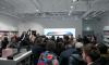 Старт продаж Iphone X в Петербурге собрал большую очередь и толпу зевак