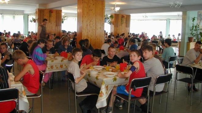 Количество отравившихся в Ленобласти детей удвоилось