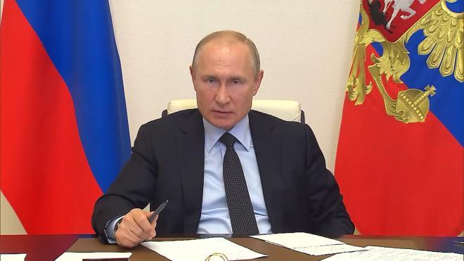 Путин поручил подготовить предложения по выплатам пенсионерам