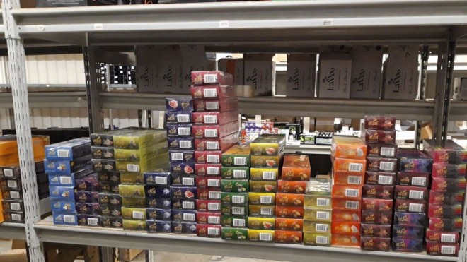 Петербургские таможенники изъяли со склада более 600 кг табака для кальянов
