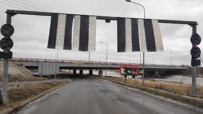 """Баннер на """"Мосту глупости"""" на Софийской заменят на новый"""