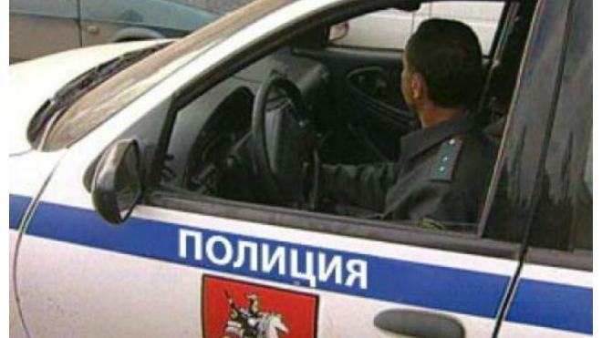 В Петербурге похититель кабеля пытался убежать от полиции, прыгнув в Неву