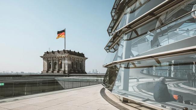 Меркель сообщила о начале третьей волны пандемии в Германии