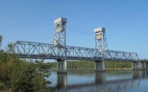 "На трассе ""Кола"" на два часа разведут мост через реку Свирь"