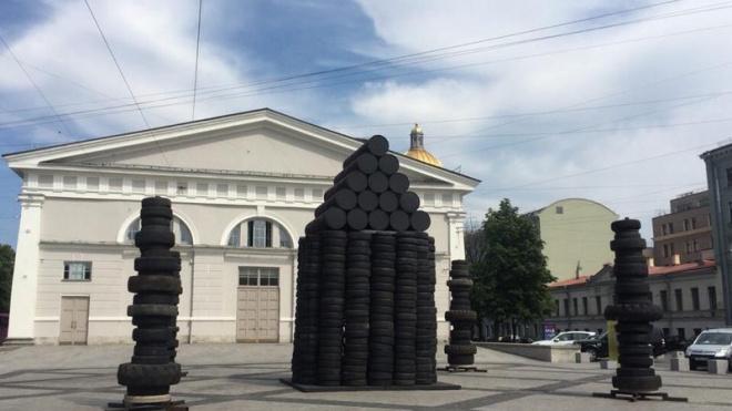 Фасад здания Биржи отреставрируют за 300 млн рублей
