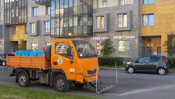 За неделю с улиц Петербурга вывезли 2,6 тысячи тонн загрязнений