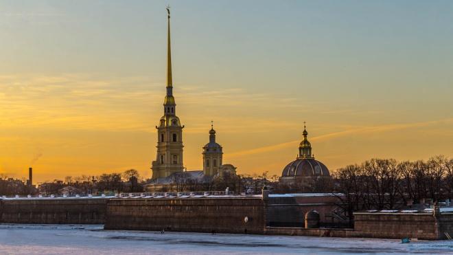 Петербуржцев предупредили о мокром снеге и гололедице в среду