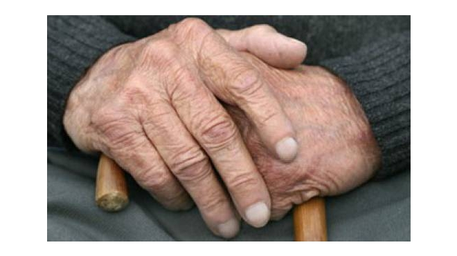 В Колпино мигрант избил и изнасиловал 71-летнюю пенсионерку-инвалида