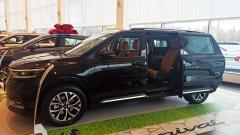 В Петербурге стартовали продажи самого длинного автомобиля KIA