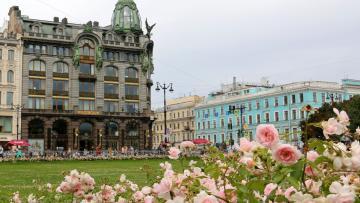 Садовники для весеннего оформления Петербурга высадят около 33 тысяч многолетних растений