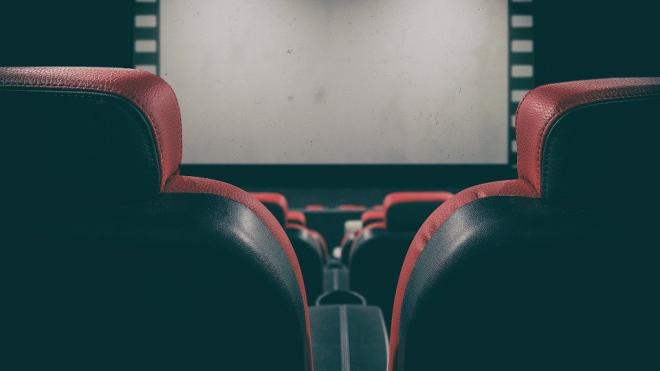 Кинотеатры в России откроются с десятью премьерными фильмами